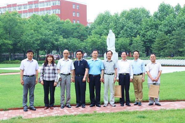 学会人文素质教育研究会成立大会在青岛职业技术学院举行